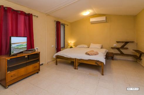 תמונת חדר שינה שמבלה